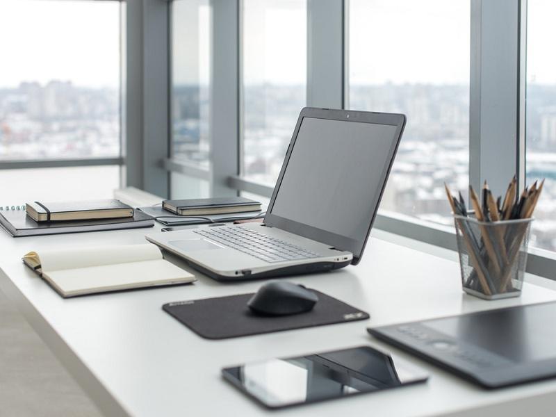 Fördelar med att använda professionella kontorsstädtjänster